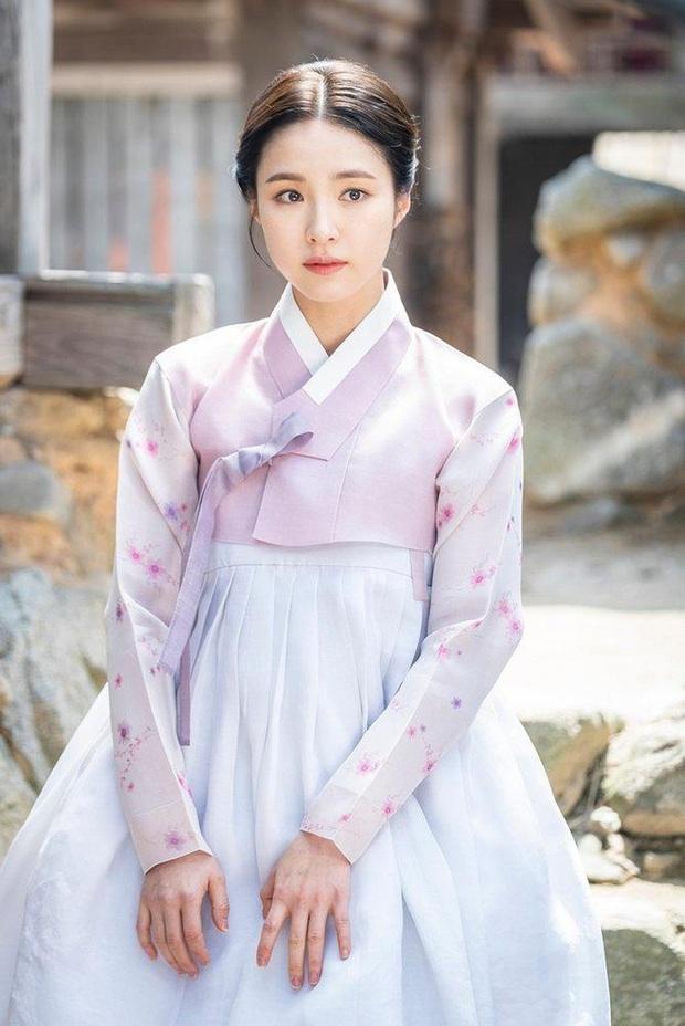 Nạn nhân phòng chat thứ N Shin Se Kyung: Từ sao nhí tiềm năng đến mỹ nhân toàn vai tranh cãi - Ảnh 14.