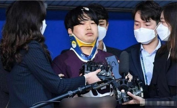 Thủ lĩnh Phòng chat thứ N là kẻ phát tán tin nhắn săn gái của Jang Dong Gun - Joo Jin Mo, tiết lộ chi tiết gây sốc về 2 tài tử - Ảnh 2.