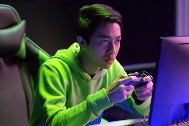 Khi các streamer triệu view lên đồ: Ngày thường quần ngố áo thun, khi dự tiệc ăn vận bảnh bao tựa idol Hàn Quốc - Ảnh 7.