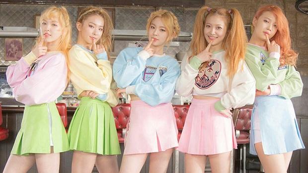 Lúc mới debut tóc tai màu mè là thế, Red Velvet giờ chỉ chuộng màu tóc trầm nền nã, đơn giản mà sang hơn gấp bội - Ảnh 2.