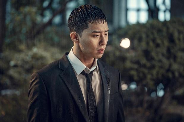 Ngẫm lại từ đoạn kết của Tầng Lớp Itaewon: Hoá ra Park Sae Ro Yi chẳng còn xứng đáng với ai, dù là bố, tình đầu hay điên nữ! - Ảnh 2.