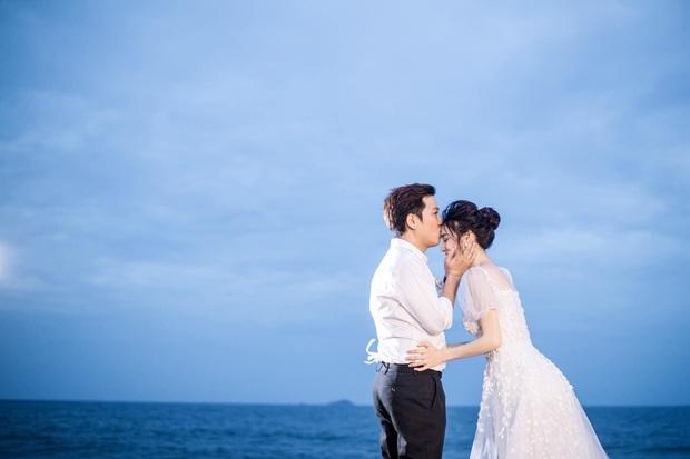 Trường Giang - Nhã Phương cuối cùng cũng tung trọn bộ ảnh đẹp trong lễ đính hôn bí mật tại bãi biển hơn 1 năm trước  - Ảnh 5.