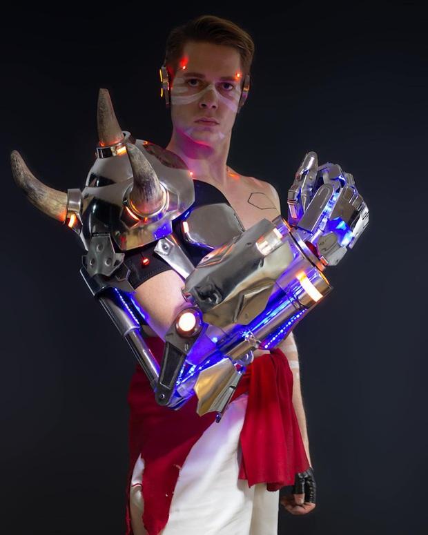 Fan cuồng chế tạo bộ cánh của Mercy siêu chất, có thể thoải mái tung cánh không khác gì bản gốc - Ảnh 5.