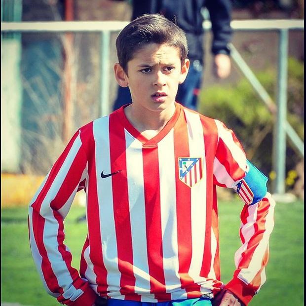 Tài năng triển vọng của bóng đá thế giới qua đời ở tuổi 14 - Ảnh 2.