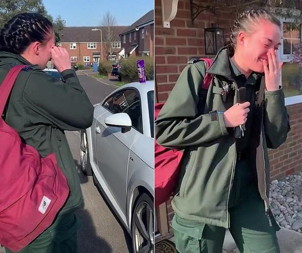 Nữ nhân viên y tế trẻ tuổi ở Anh xúc động đến rơi nước mắt khi được cả khu phố vỗ tay động viên trên đường đi làm - Ảnh 2.