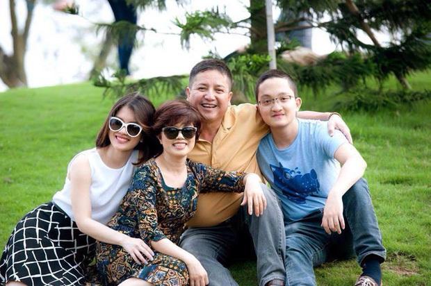 Liên tục bị chỉ trích vì đăng ảnh tình trẻ hậu xác nhận ly hôn vợ cũ, NSƯT Chí Trung gay gắt đáp trả - Ảnh 5.
