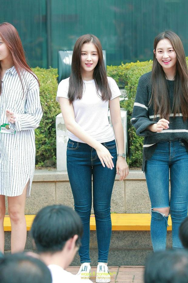 Dàn mỹ nhân Kpop khi diện quần jeans áo trắng: Thước đo nhan sắc chuẩn là đây, một mỹ nhân nhờ vậy mà bỗng nổi sau 1 đêm - Ảnh 21.
