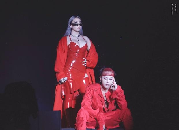 """Loạt idol mang đậm """"chất"""" YG: Rosé và đàn chị giọng """"độc"""" có 1-0-2, từ G-Dragon tới Jennie đều """"rap ra lửa"""", hội visual tiên tử thì đỉnh miễn bàn - Ảnh 1."""