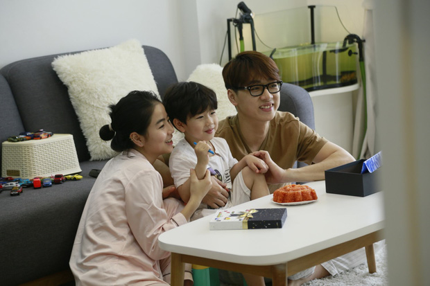3 nhóc tì Cam, Xoài, Đậu dễ thương đến phát hờn khi trốn bố mẹ rủ nhau đi ăn pizza - Ảnh 4.