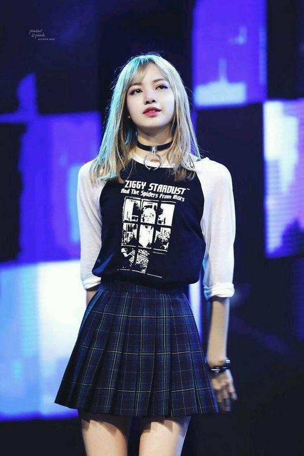 """Cựu giám đốc sáng tạo của YG ca ngợi Lisa (BLACKPINK) là """"idol xuất sắc nhất thế hệ này"""", mỹ nam nhà SM bất ngờ được khen """"ké"""" - Ảnh 2."""