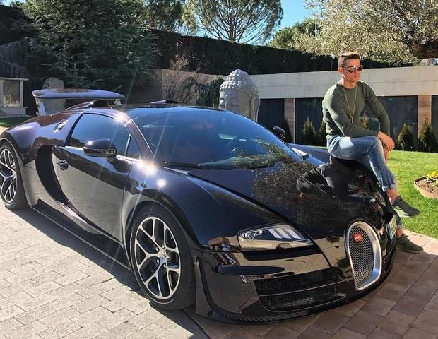Biện pháp giải sầu xa xỉ của Ronaldo trong thời gian tự cách ly: Đặt mua siêu xe có sức mạnh kinh khủng, giá 230 tỷ đồng và chỉ sản xuất 10 chiếc - Ảnh 2.