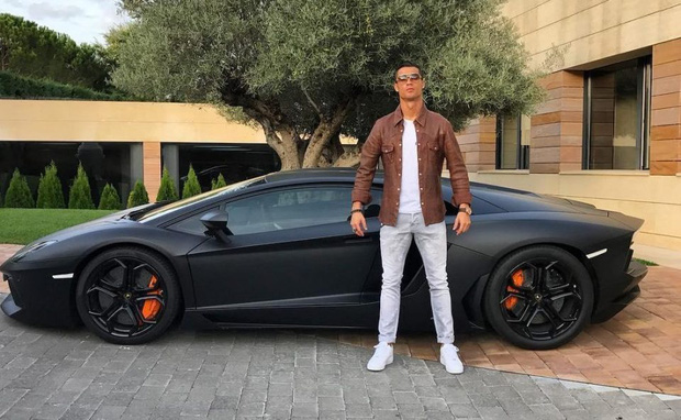 Biện pháp giải sầu xa xỉ của Ronaldo trong thời gian tự cách ly: Đặt mua siêu xe có sức mạnh kinh khủng, giá 230 tỷ đồng và chỉ sản xuất 10 chiếc - Ảnh 3.