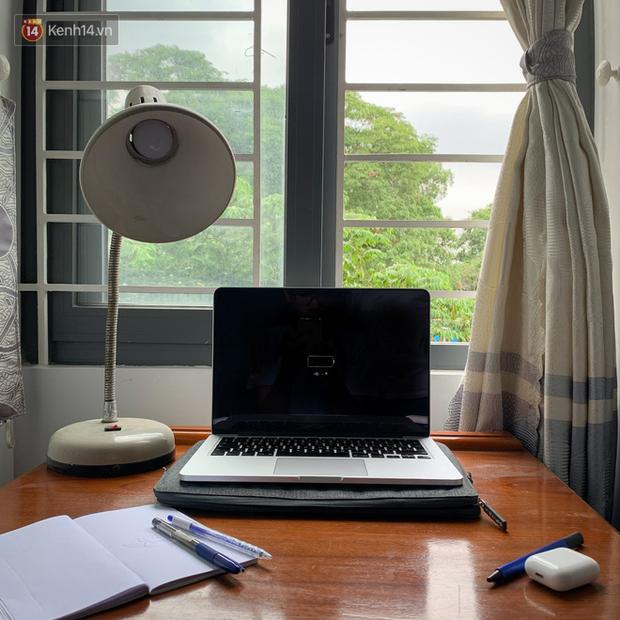 Ở nhà cũng phải đẹp: Bí kíp xuất hiện rực rỡ khi họp online - Ảnh 1.