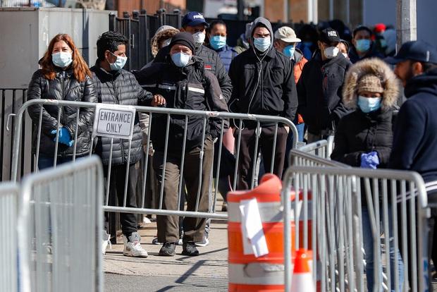 Mỹ có hơn 111.000 người nhiễm Covid-19, bang New York chiếm gần một nửa và đối diện với lệnh phong tỏa của Tổng thống Trump - Ảnh 1.