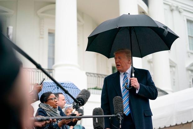 Mỹ có hơn 111.000 người nhiễm Covid-19, bang New York chiếm gần một nửa và đối diện với lệnh phong tỏa của Tổng thống Trump - Ảnh 2.