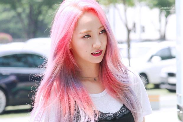 Không được debut solo, cựu gà JYP viết tâm thư 11 trang thuyết phục bố Park, vừa toại nguyện thì ẵm giải nhạc sĩ của năm nhờ album tự sáng tác - Ảnh 1.