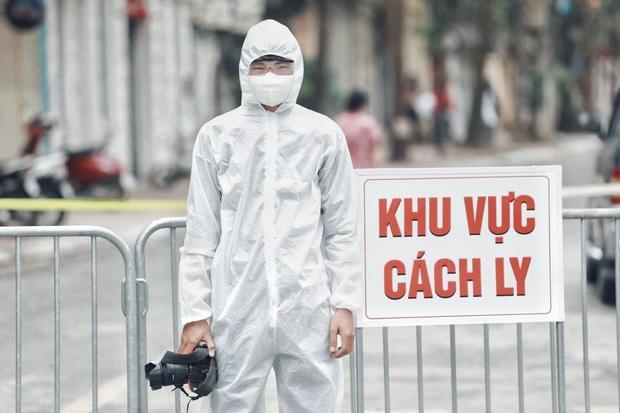 Câu chuyện về các phóng viên lăn xả vào điểm nóng để có được những hình ảnh, tin bài chân thực nhất về tình hình dịch Covid-19 tại Việt Nam - Ảnh 10.