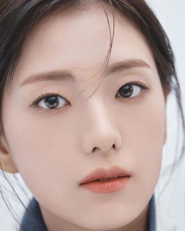 Trời ơi, chị gái ruột nữ thần Jisoo (BLACKPINK) tung bộ ảnh siêu cận gây bão MXH: Nhìn đâu tưởng minh tinh tuyệt sắc nào - Ảnh 4.