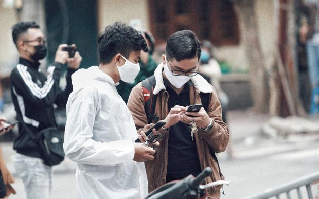 Câu chuyện về các phóng viên lăn xả vào điểm nóng để có được những hình ảnh, tin bài chân thực nhất về tình hình dịch Covid-19 tại Việt Nam - Ảnh 14.