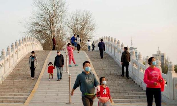 Trung Quốc nới lỏng lệnh phong toả, số ca nhiễm mới ở Ý đang bắt đầu giảm... những tin tức tốt lành củng cố niềm tin đánh bại Covid-19 - Ảnh 2.