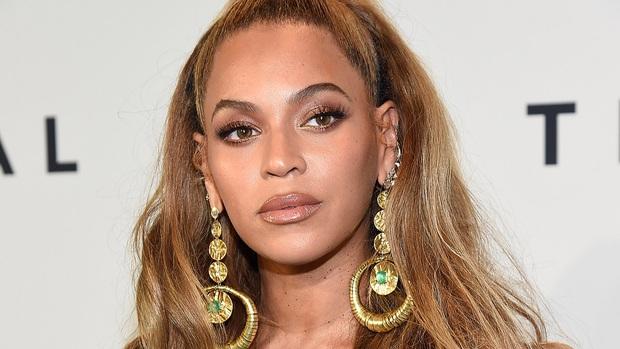 """Nữ hoàng quyền lực nhất làng nhạc thế giới sở hữu 24 kèn Grammy nhưng cho đến bây giờ mới """"dắt túi"""" MV tỷ view đầu tiên trong sự nghiệp - Ảnh 5."""