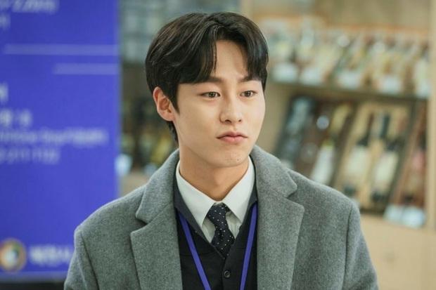 8 diễn viên phụ nổi bật phim Hàn đầu 2020: Kwon Nara gây tranh cãi dữ dội, chị đẹp Triều Tiên rút cạn nước mắt dân tình - Ảnh 14.