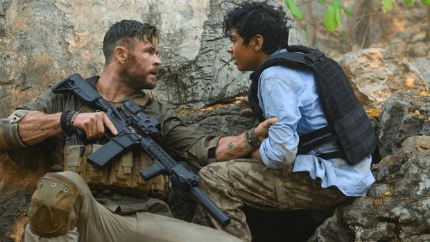 Netflix tháng 4: Thần Sấm Chris Hemsworth có bom tấn hành động, dòng phim gia đình lên ngôi giữa thời điểm ai cũng đang ở nhà - Ảnh 7.