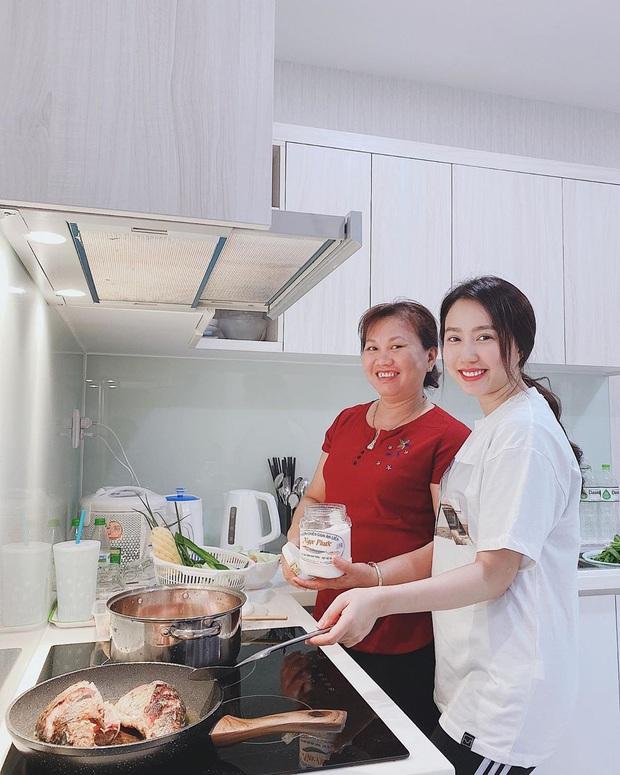 Công khai yêu đương chưa đầy 1 tháng, Hồng Loan đã mũm mĩm trông thấy: Tiến Linh chăm bạn gái khéo quá rồi không? - Ảnh 2.