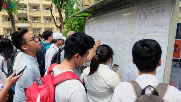 Tiếp tục nghỉ học chống dịch, có ảnh hưởng kế hoạch tuyển sinh đại học? - Ảnh 1.