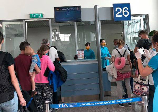 Tăng cường thêm phi công, tiếp viên và kỹ thuật cho chuyến bay đặc biệt từ Việt Nam tới Ukraine và ngược lại - Ảnh 2.
