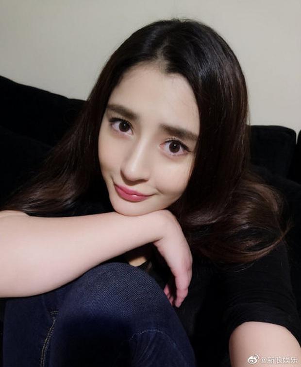 Top 1 Weibo hiện tại: Vợ chồng Đường Yên không những sinh đôi mà còn có cả cặp long phụng cực kỳ viên mãn - Ảnh 2.