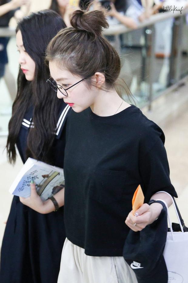Không cần cầu kỳ cho mệt thân, Irene cứ diện hoài áo phông đơn giản mà vẫn sành điệu khỏi bàn - Ảnh 7.
