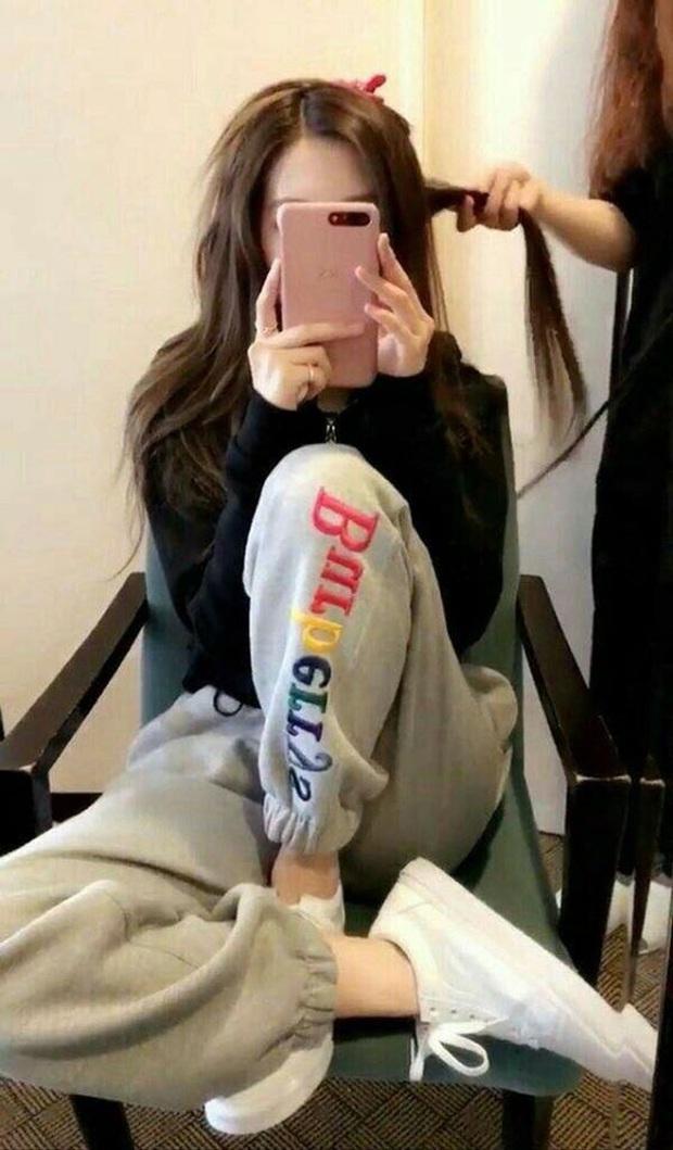 Học lỏm cả tá bí kíp selfie thượng thừa từ cô nàng Rosé (Black Pink), chỉ chụp ảnh trước gương mà vẫn đẹp rụng rời - Ảnh 10.