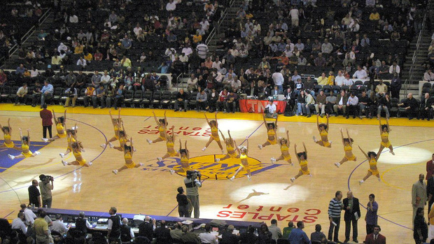 Dịch Covid-19 bùng phát ở Mỹ, giải bóng rổ NBA đưa ra những khuyến cáo đầu tiên tới giới cầu thủ - Ảnh 3.
