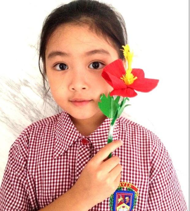 Hành trình thay đổi ngoại hình của Lọ Lem - con gái MC Quyền Linh: Khi bé mũm mĩm, lớn lên cao gầy xinh đẹp xuất sắc - Ảnh 5.