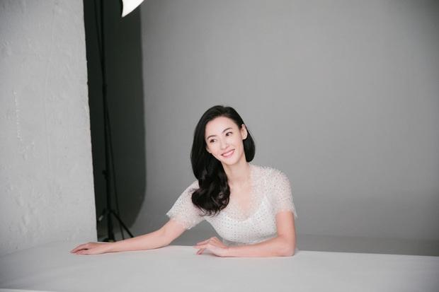 Ảnh hậu trường quảng cáo của Trương Bá Chi khiến dân tình tròn mắt nức nở: Đây là bà mẹ bỉm sữa 3 con sao? - Ảnh 5.