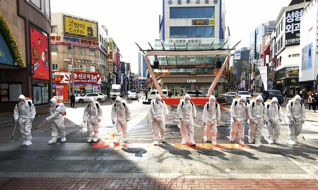 Hàn Quốc: 31 người đã tử vong, gần 5200 trường hợp xác nhận nhiễm virus corona - Ảnh 2.
