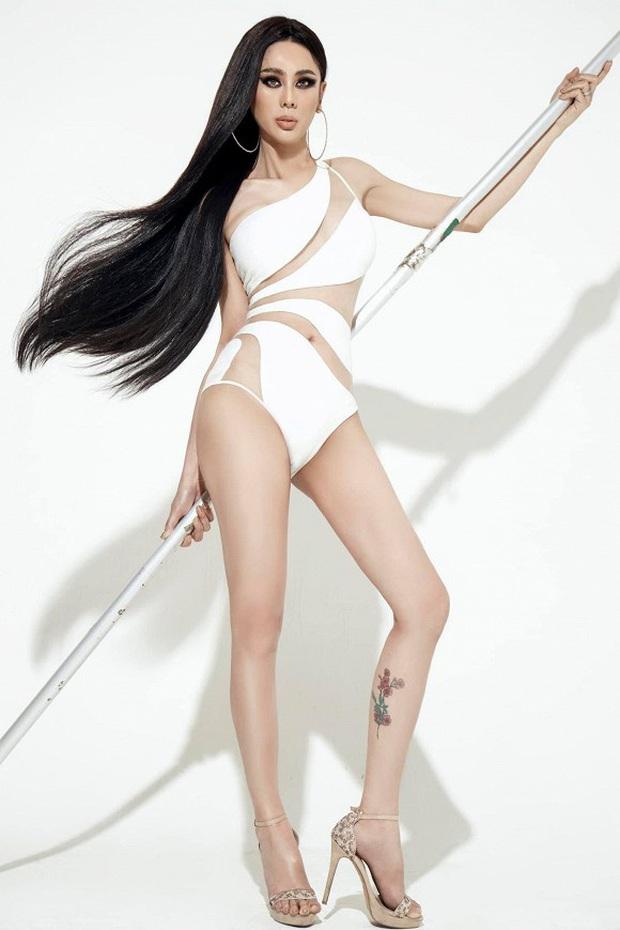 Bộ ảnh mới gây sốt của Lâm Khánh Chi: Hiếm lắm mới diện bikini, body tuổi 42 gây bất ngờ vì quá hot - Ảnh 3.