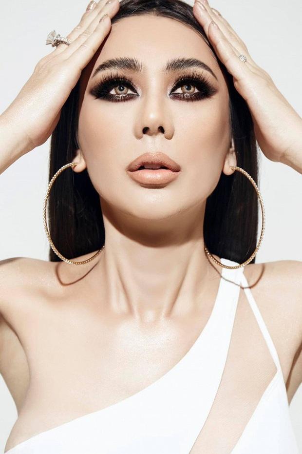 Bộ ảnh mới gây sốt của Lâm Khánh Chi: Hiếm lắm mới diện bikini, body tuổi 42 gây bất ngờ vì quá hot - Ảnh 4.