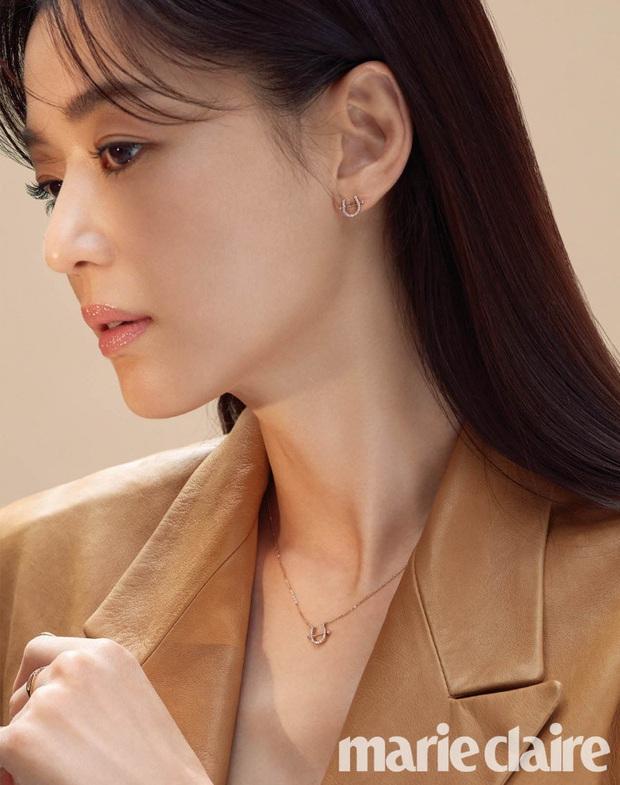 Loạt ảnh chụp vội mợ chảnh Jeon Ji Hyun 20 tuổi đóng quảng cáo giữa đường gây bão MXH: Thảo nào được tôn làm nữ thần! - Ảnh 16.