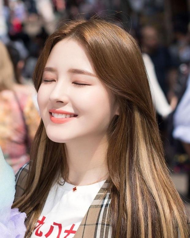 """2020 nhuộm highlight như idol Hàn cho mới: Đảm bảo không """"quậy"""" mà vẫn sành điệu xinh yêu - Ảnh 4."""