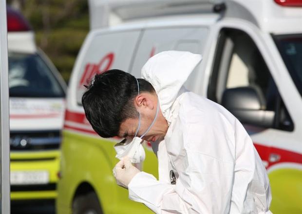 Tâm thư xúc động của Chủ tịch hội y khoa Daegu: Hãy cứu bệnh nhân bằng máu, mồ hôi và nước mắt của chúng ta; xin hãy cứu lấy Daegu - Ảnh 3.