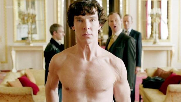 """Xịt máu mũi với """"xôi thịt"""" của 10 tài tử Anh Quốc, quần không chịu mặc mà toàn lấy sách với khố che kỳ ghê! - Ảnh 7."""