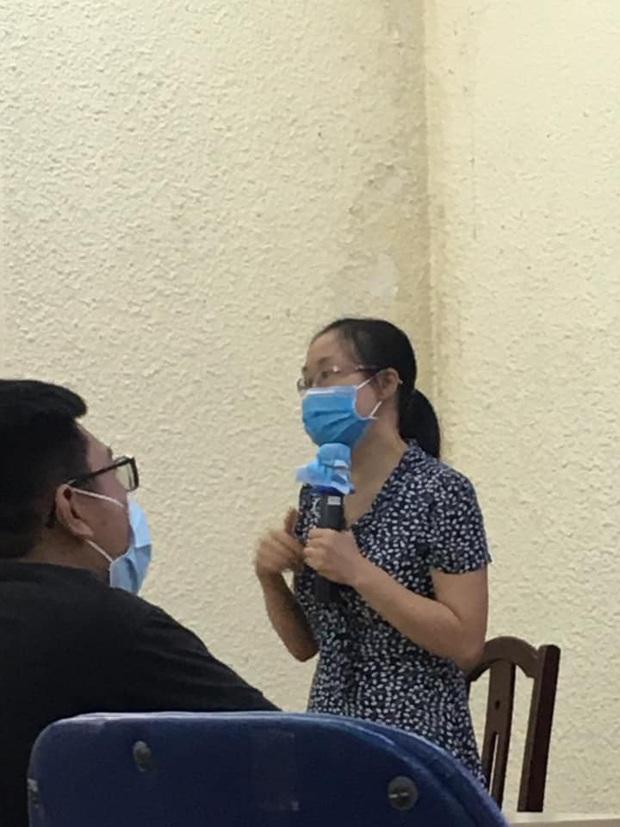 Đi dạy học trong mùa Covid-19, cô giáo cẩn thận phòng dịch theo cách siêu bá đạo, thách thức mọi loại virus bén mảng - Ảnh 2.