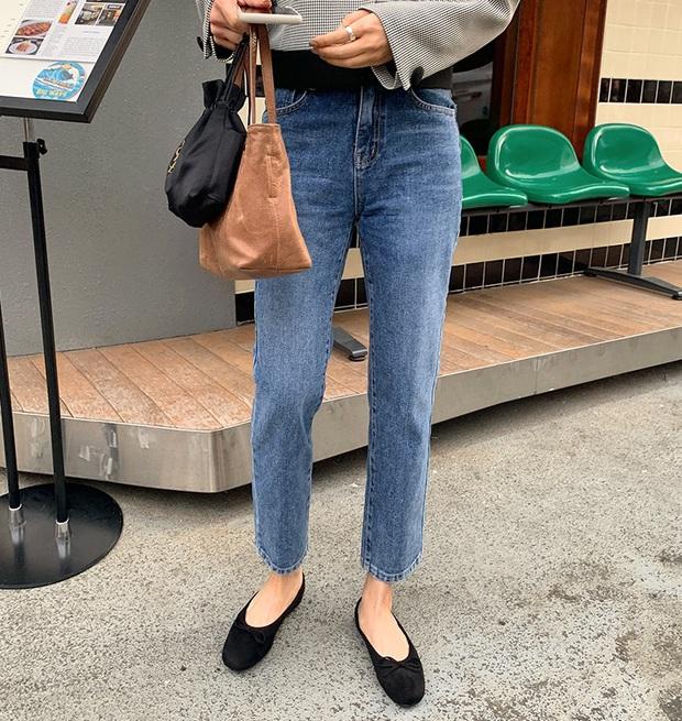 Xin giới thiệu đến chị em kiểu giày búp bê hot nhất lúc này, diện với quần jeans hay váy vóc cũng đều đẹp mê - Ảnh 12.
