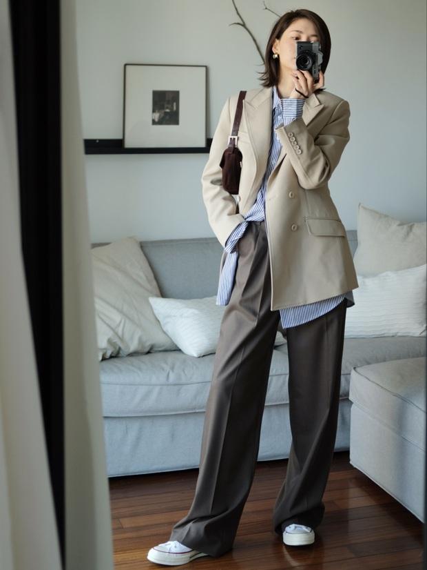 Biết 6 cách biến tấu với 1 chiếc áo sơ mi thì đảm bảo style công sở của bạn sẽ không còn cứng nhắc chút nào - Ảnh 5.
