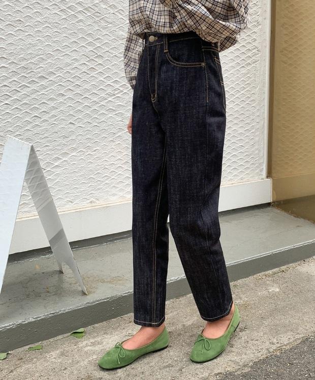 Xin giới thiệu đến chị em kiểu giày búp bê hot nhất lúc này, diện với quần jeans hay váy vóc cũng đều đẹp mê - Ảnh 9.
