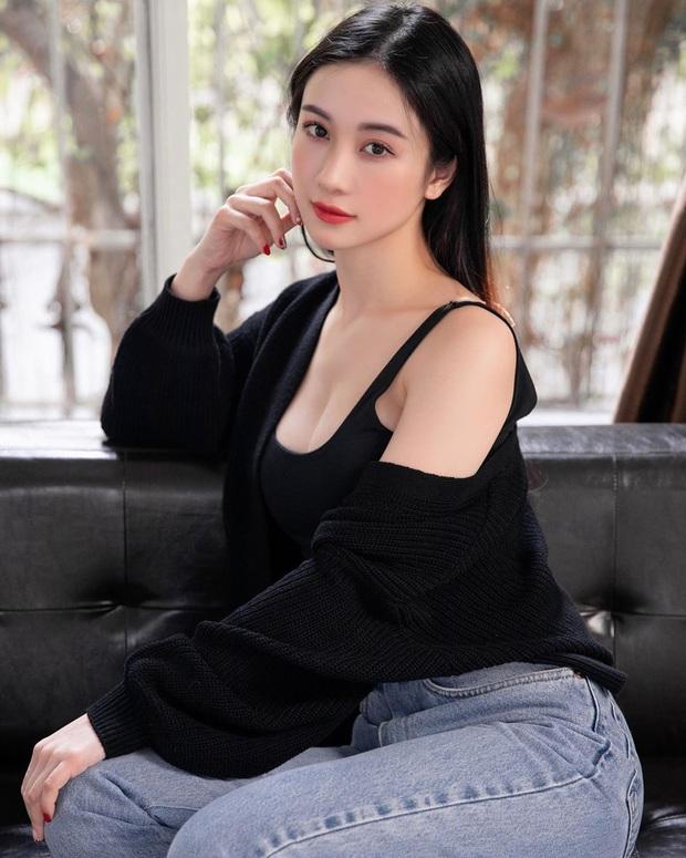 Độ sexy thì có thể ngang ngửa nhưng xét về độ chịu chi khi vung gần 7 tỷ mua phụ kiện thì Ngọc Trinh chặt đẹp Jun Vũ - Ảnh 2.