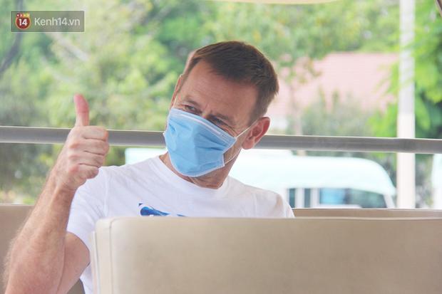 Thêm 3 ca nhiễm Covid-19 tại TP.HCM khỏi bệnh, nam du khách Cộng hòa Czech bày tỏ sự hạnh phúc, biết ơn đất nước Việt Nam - Ảnh 2.