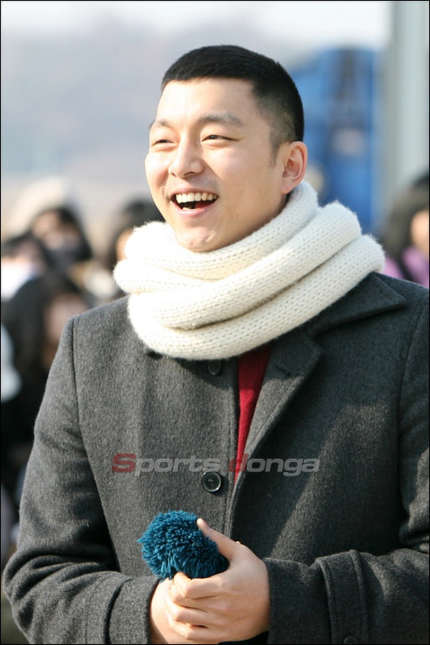 Khi tài tử cực phẩm phải bó tay vì tóc khó đỡ: Song Joong Ki - Hyun Bin hóa thím, ngã ngửa khi kéo đến Park Seo Joon - Ảnh 11.